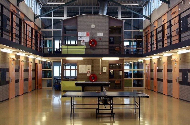Kabinet sluit vier gevangenissen vanwege leegstand cellen